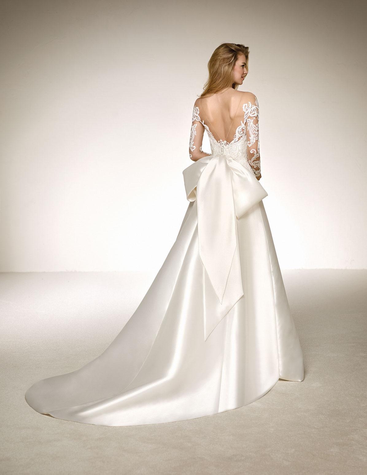 206f4b654069 Abiti da sposa Pronovias 2018  scopri tutta collezione