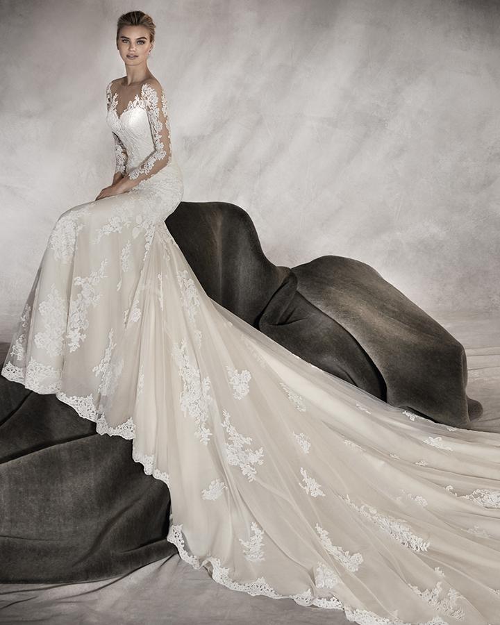 abito-sposa-sirena-maniche-pronovias