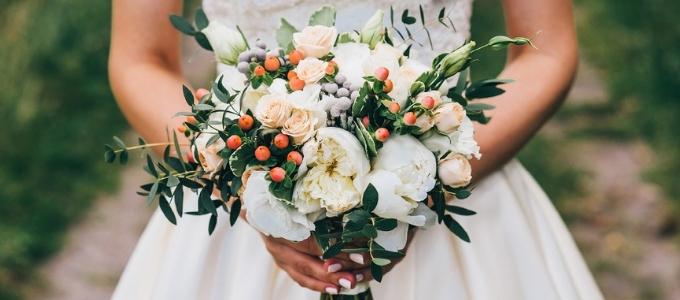 Bouquet sposa: 6 composizioni di tendenza tra cui scegliere